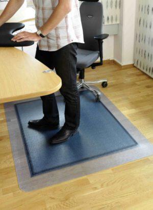 Työpistematto IJS lattian ja maton suoja 120x150cm.